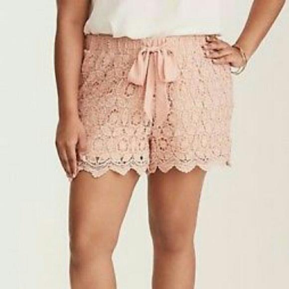 Torrid Shorts Nwt Size Plus Size 0 Pink Crochet Poshmark